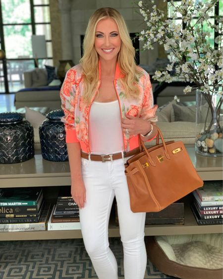 Happy Friday 🧡 I am off to do some last minute shopping with my mama before Travis' big birthday tomorrow! Wishing you all the best day! http://liketk.it/2BzSf #liketkit @liketoknow.it #RHOD