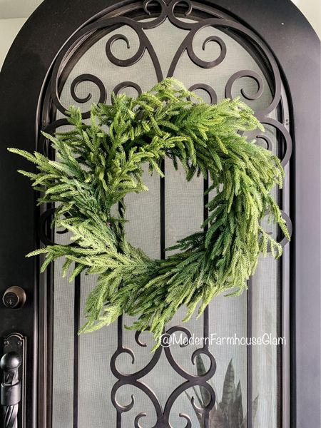 Loving this new wreath, very natural and organic realistic looking. Modern farmhouse glam. Christmas decorations, Christmas decor, Christmas home  #LTKSeasonal #LTKHoliday #LTKhome