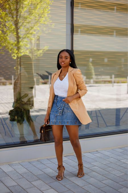 Denim and Blazers...Yup I support it 🙋🏾♀️ definitely versatile pieces for any season.  P.S. Can you believe tomorrow is Friday?!  😁  I liked outfit on my blog and via my @liketoknow.it page. Happy shopping 👋🏾  #liketkit http://liketk.it/3gLqp #ootd #LTKfit