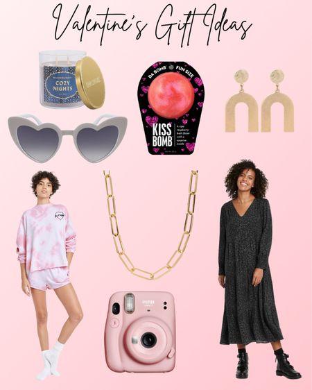 Valentines Day, v-day, v-day gifts, valentines gifts for her, Target style. #LTKSeasonal #LTKVDay #LTKbeauty #liketkit @liketoknow.it http://liketk.it/383fA
