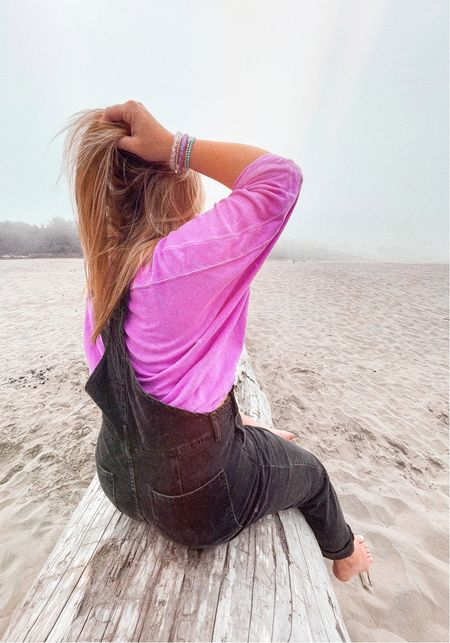 Beach outfit Fall style Overalls  Oversized tee   #LTKSeasonal #LTKstyletip