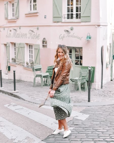 it is about 25 degrees too cold in Paris to be wearing this floral skirt....but I did it for the gram so plz double tap 💁🏼♀️  . . Shop your screenshot of this pic with the LIKEtoKNOW.it app @liketoknow.it #liketkit #LTKeurope #LTKtravel #LTKspring http://liketk.it/2B95v