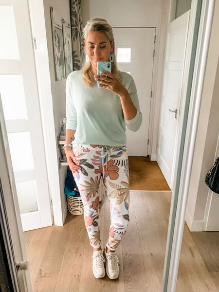 Outfits of the week-Tuesday   I searched high and low for an alternative for these crinkle cotton summer pants but I haven't been successful unfortunately 🤷🏼♀️. I am wearing a medium.     #LTKworkwear #LTKeurope #LTKstyletip