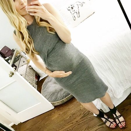 Shopped a little while in Manhattan Beach and picked up this DARLING dress from @splendidla for a great price! It's currently 25% off right now and PERFECT FOR TEACHING ❤️📚 The material is so soft and lightweight! I bought both the grey and blue colors 💁🏼 But shh ... don't tell my hubby 😜 Details here or through link in profile -> http://liketk.it/2r6eP #liketkit @liketoknow.it