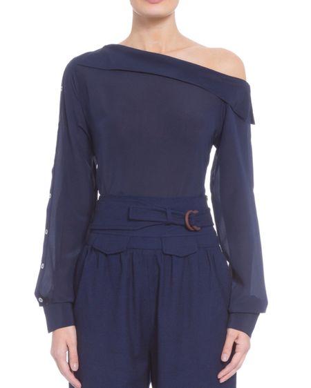 Minha blusa está ainda mais barata e tem cupom extra. Digite cupom FINAL10 para ter desconto extra.   http://liketk.it/2JY3E #liketkit @liketoknow.it #LTKbrasil #LTKunder100 #LTKstyletip