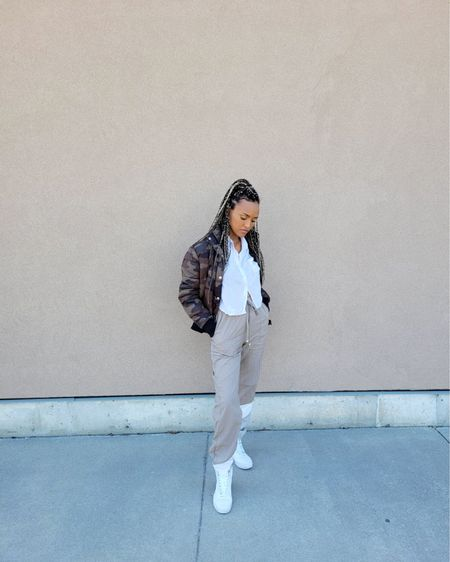 These pants are soo comfortable and the perfect addition to your spring wardrobe.. http://liketk.it/3bdJC #liketkit @liketoknow.it #LTKSpringSale