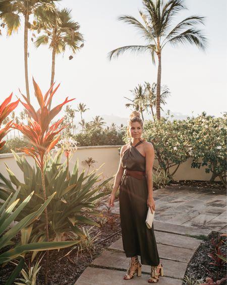 Gorgeous green maxi dress for sunset dinner in Maui 🌺 @liketoknow.it http://liketk.it/2CzeM #liketkit #LTKtravel #LTKstyletip #LTKunder100