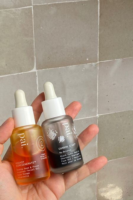 As the weather is changing our skin can dry out - which means it's lacking oil!  Using an oil daily helps minimise breakouts, fine lines and oily ness. I love these 2 from Pai skincare and you can use EMMA15 for 15% discount code site wide