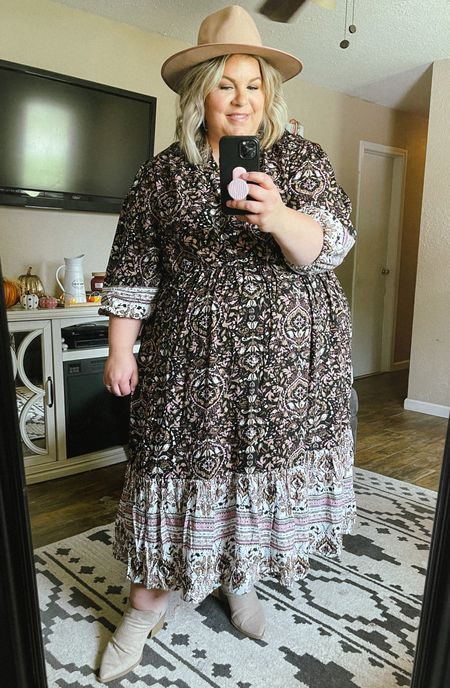 This plus size maxi dress is so beautiful and just $30! This would be a perfect plus size wedding guest dress or plus size family photo outfit. Perfect plus size fall fashion!   #LTKcurves #LTKSeasonal #LTKunder50
