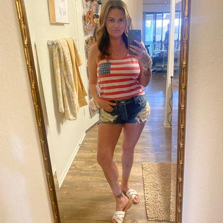 USA! 🇺🇸 http://liketk.it/3iYEt #liketkit @liketoknow.it #LTKbeauty #LTKcurves #LTKsalealert Shop my daily looks by following me on the LIKEtoKNOW.it shopping app
