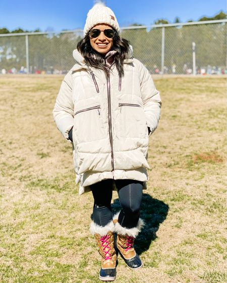 http://liketk.it/38NIP #liketkit @liketoknow.it You can instantly shop my looks by following me on the LIKEtoKNOW.it shopping app  My must haves for a cold day at the soccer fields!