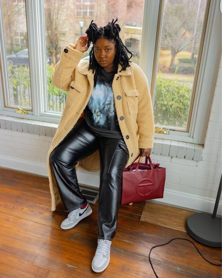 It is Tshirt and jacket season again. The outfit for the perfect weather compromise. You are basically ready when the temperature goes down . If it goes up during the day you are also ready . http://liketk.it/3aBsx #liketkit @liketoknow.it   Follow me on Instagram @wonder.fro for more looks and pictures. @liketoknow.it.europe @liketoknow.it.home @liketoknow.it.family @liketoknow.it.brasil #LTKcurves #LTKsalealert #LTKunder50
