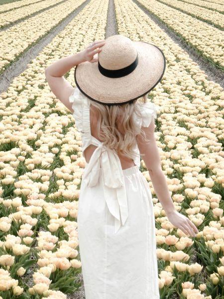 Tiptoeing through the tulips 💐 EU link for this dress is first.   http://liketk.it/3eekz #liketkit @liketoknow.it @liketoknow.it.europe