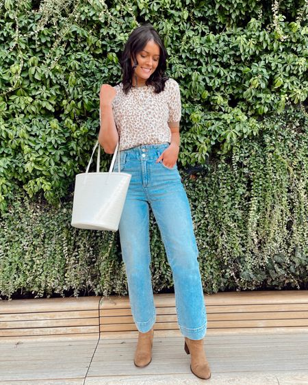 """Okay, I'll admit I wasn't here for the non-skinny jean train at first, but now I'm fully on board😆🚂 these """"corset"""" straight-leg jeans are so comfortable and SO flattering! 🤍 you can screenshot this pic with the LIKEtoKNOW.it app or click the link in my bio to shop 👉🏼 http://liketk.it/3annR @liketoknow.it #liketkit #LTKstyletip #LTKunder100 #ltkspring #straightleg #anntaylor #blogger #kyblogger"""