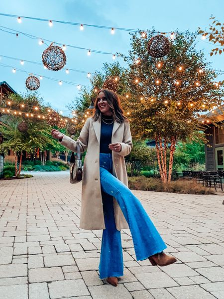 casual fall outfit - wearing s in top, 26s in flare jeans!    #LTKtravel #LTKunder100 #LTKSeasonal