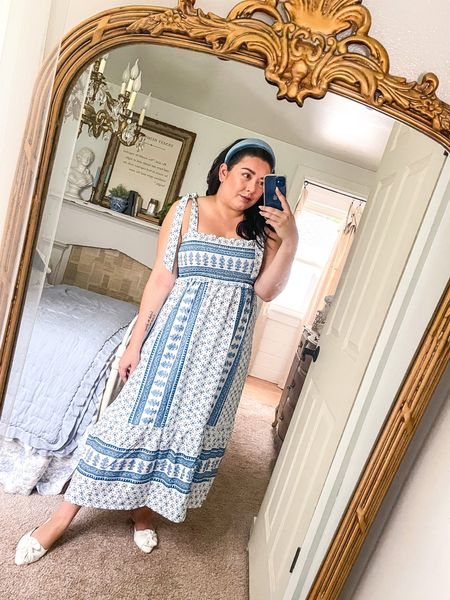 In love with this super comfy & beautifully patterned dress! I'm wearing a size large! 💙🤍💙🤍  #LTKunder100 #LTKworkwear #LTKcurves