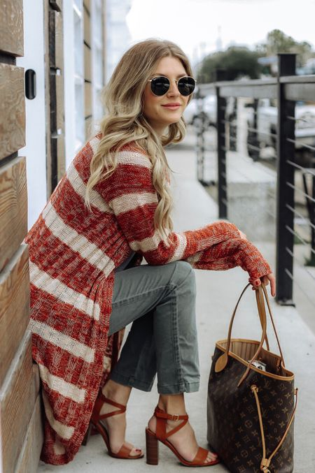 Who wants a GIVEAWAY and a 40% discount code early this week? Today, inside the blog I'm all that and more is going on. My cardigan is 40% off. Code and details inside the blog. http://liketk.it/2twVm #liketkit @liketoknow.it #LTKholidaystyle #LTKholidaywishlist #LTKholidayathome #LTKbeauty #LTKunder100 #LTKunder50 #LTKshoecrush #LTKstyletip #LTKsalealert #LTKitbag