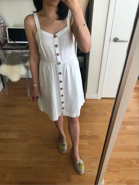 Dresses, skirts, shorts and rompers are currently 40% off at LOFT! Cardmembers can use code SUNNY for 40% off 2+ full-price items. Note that unlike previous cardmember codes this latest code does not stack on top of the current sale for extra savings. 🤨 Only the code INSIDER442 stacks for an extra $25 off $100+ on full-price promotional purchases. Review of this little white dress and a few other recent purchases can be found in my latest blog post onwww.whatjesswore.com. I linked the video clips from my try-ons below each blog image. I also provided measurements to the items I tried on at home in case that helps with sizing. http://liketk.it/2wfye @liketoknow.it #liketkit #LTKsalealert #LTKshoecrush #LTKstyletip #LTKunder50 #LTKunder100